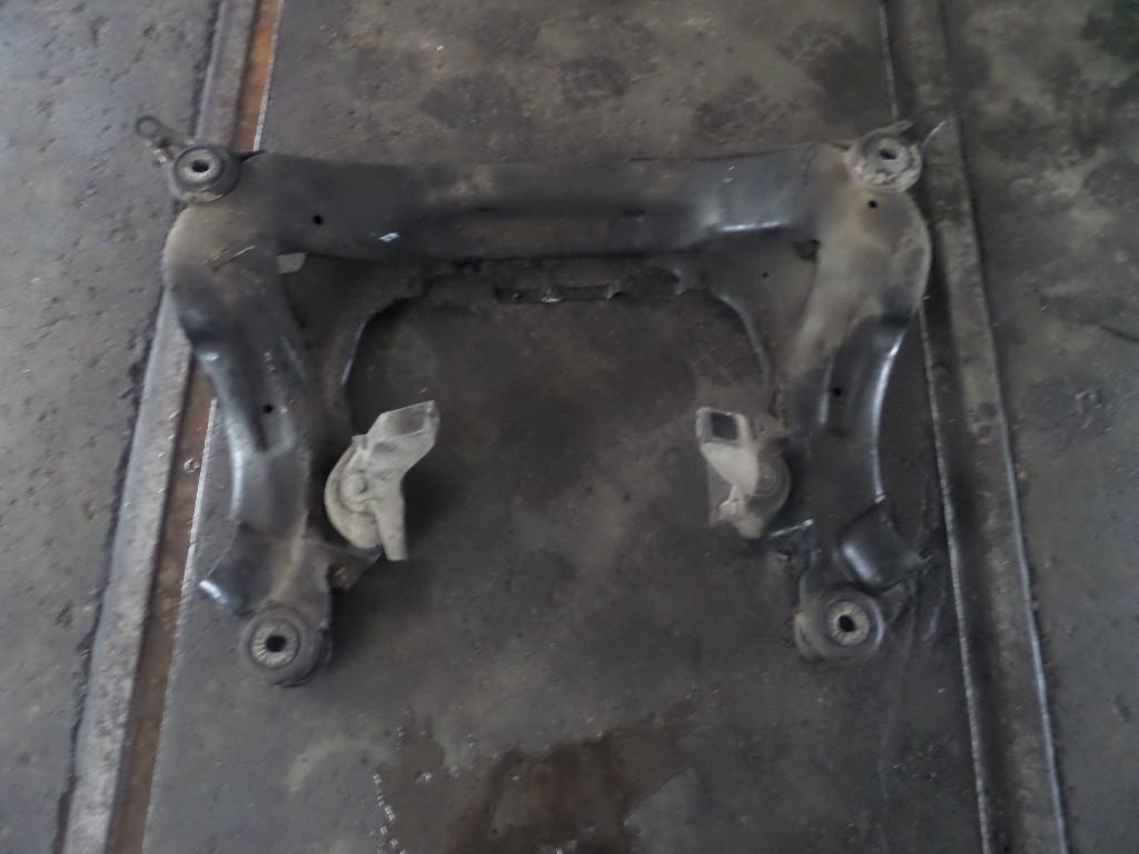 Części samochodowe :: Silniki i osprzęt :: Zawieszenie silnika :: Wózki i belki silnika